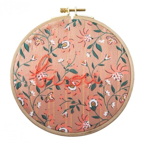 Round embroidery hoops Bisou flowers